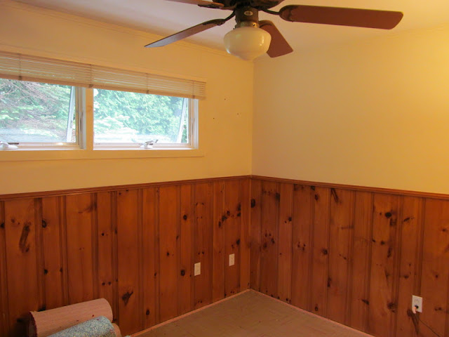 Clearer Picture The Wood Paneling Minus Fancy Burgundy Carpet