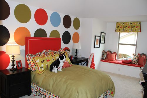 Dots Painted One Wall Make Distinctive Room For Young Girl