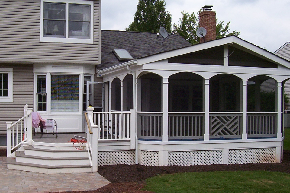 Oak Hill Porch And Deck Painted Madison Rail