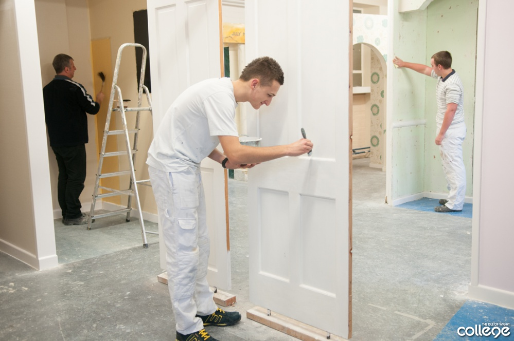 Painting And Decorating Gain The Skills Needed Become Trade