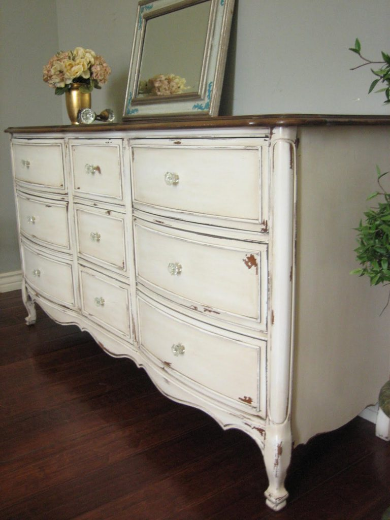 European Paint Finishes Antiqued French