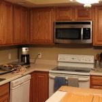 Selecting Right Kitchen Paint Colors Maple Cabinets