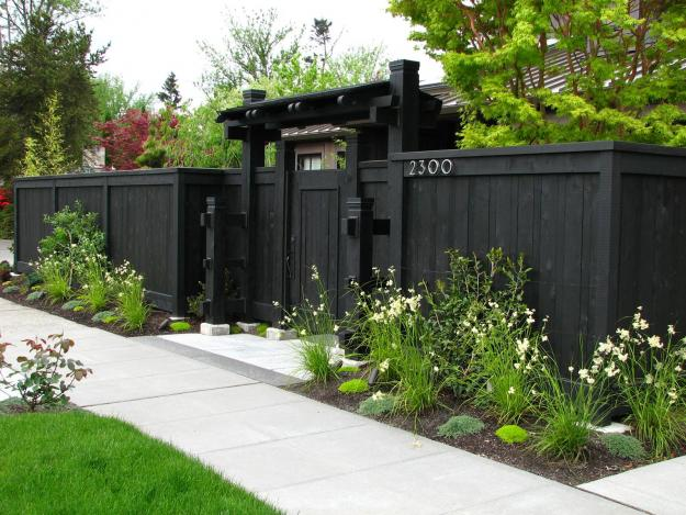 Tips Choosing Colour Paint Your Homes Boundary Fence Garden Beds Paintright